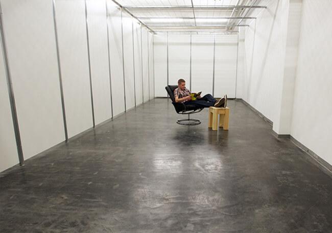Platz in der Wohnung schaffen mit Lagerboxen vom - Selfstorage Center Reutlingen